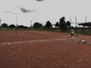 pitching machine Vs live pitching